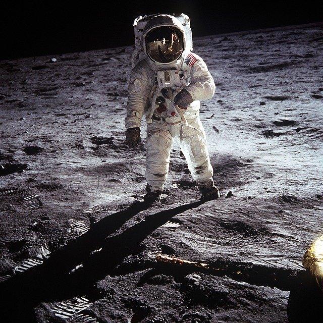Osservazione del cielo estivo e Commemorazione del cinquantenario dello sbarco sulla luna
